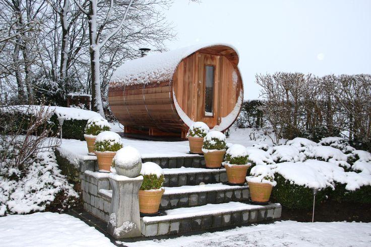 Saunabarrel met geïntegreerde kleedruimte  #barrelsauna #saunabarrel #modis #handmadeinbelgium #saunabarrelbymodis