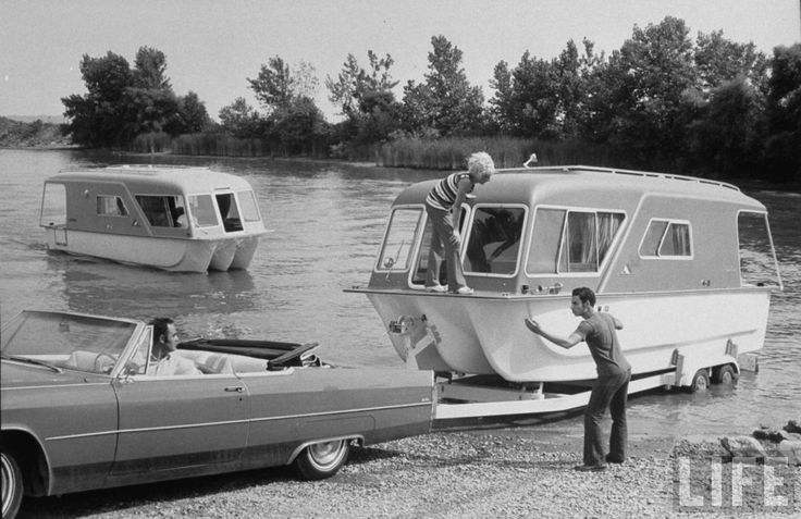 1970 campingVintage Houseboats, Amphibious Campers, Old Campers, Vintage Photos, Camps Life, Rvs, Travel Trailers, Vintage Travel, Vintage Campers