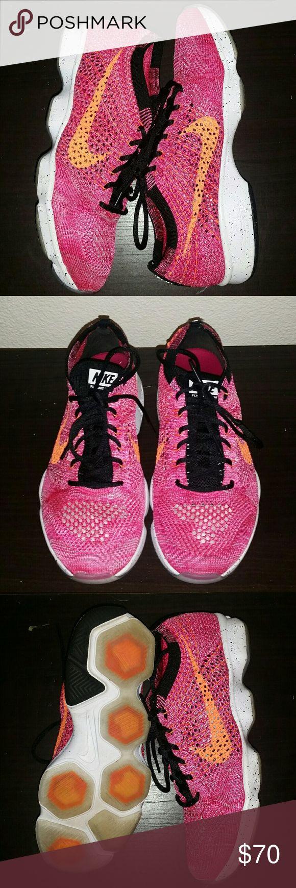 Women's Nike Zoom trainer Flyknit Women's Nike Zoom trainer Flyknit size 7.5 great condition nike  Shoes Athletic Shoes