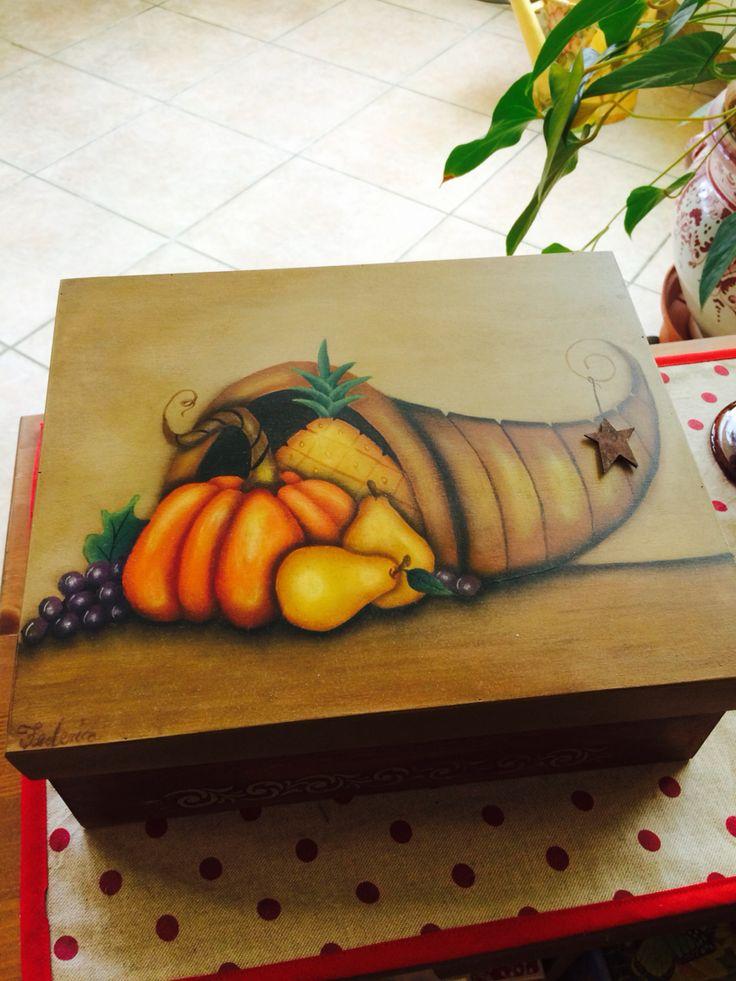 Scatola in legno pittura  country dipinta da me