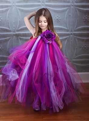 Flower Girl Tutu Dress.... I HAVE to HAVE this for Lyla and Emilia!!!!!