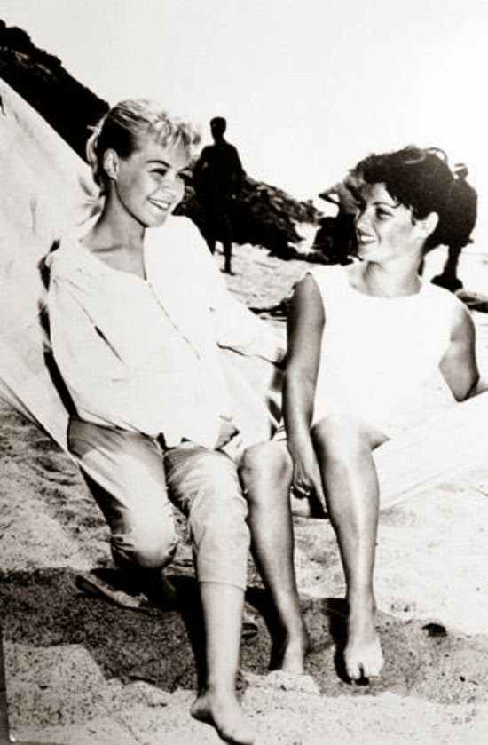 Sandra Dee with the real Gidget, Kathy Kohner on the beach during shooting of Gidget - ca 1957