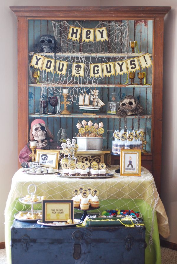 GOONIES Themed Birthday Party, or pirate themed. Super cute movie-inspired theme.: Theme Birthday Parties, Goonies Theme, Sweet Cheeks, Theme Parties, Pirates Parties, Parties Ideas, Parties Theme, Desserts Tables, Goonies Parties