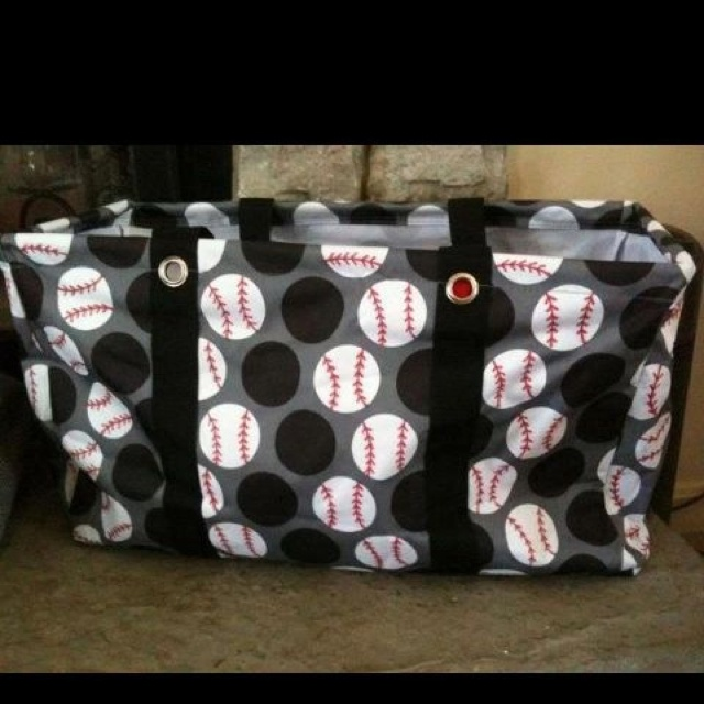 Baseball Season: all you need is a red sharpie! I will be making one of these! It's a 31 bag.