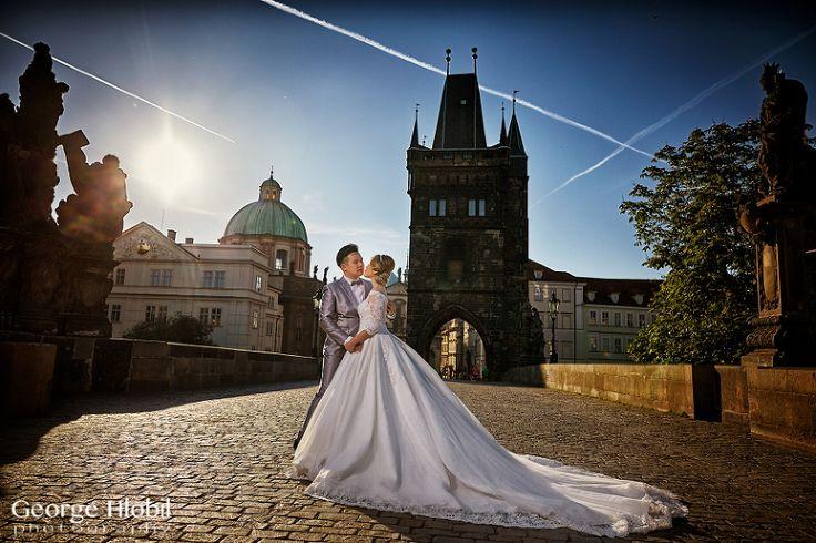 Prague pre-wedding shoot at Charles Bridge