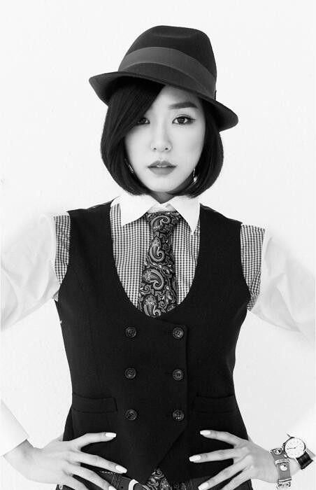 Girls' Generation // Mr. Mr. // Tiffany