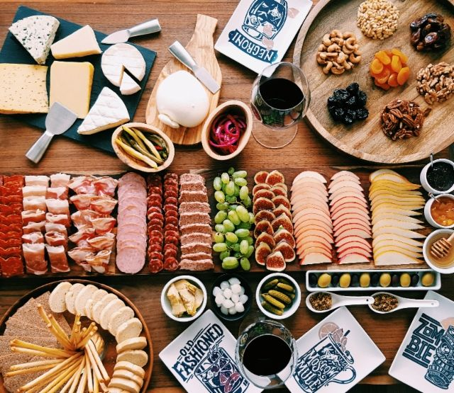 Love to impress your guests? We've partnered with Hanna Pak of Mama Pak's Kitchen to demonstrate how to make a charcuterie board with wow factor.