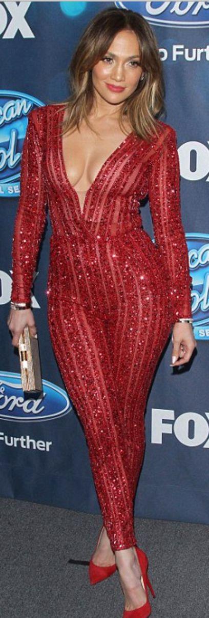 Jennifer Lopez: Jumpsuit – Zuhair Murad  Purse – Amanda Wakeley  Shoes – Jimmy Choo