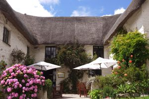 Smugglers Den Cubert Newquay listed in 10 of the best pubs for food in Cornwall