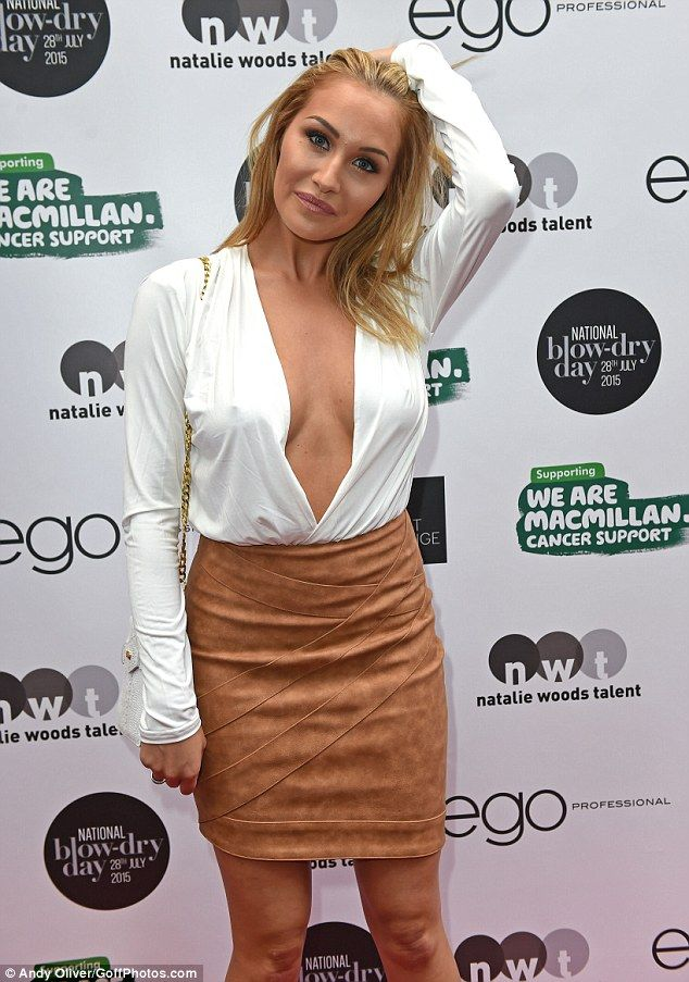 Open Blouse Pics Cleavage 73