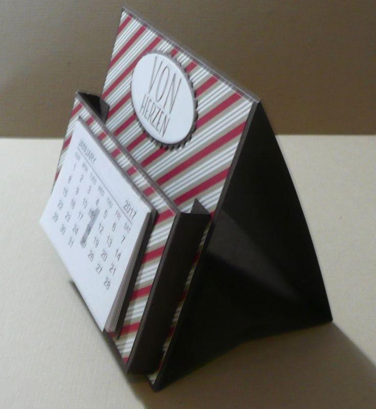 Zettelbox mit kleinem Tischkalender als schnelle und einfache Geschenkidee.