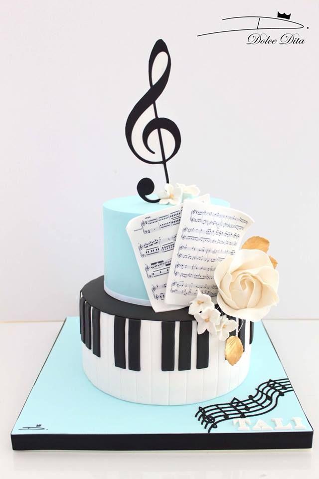 Music Piano Cake