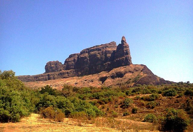 Malang Gad Fort Thane In 2020 Fort Monument Monument Valley