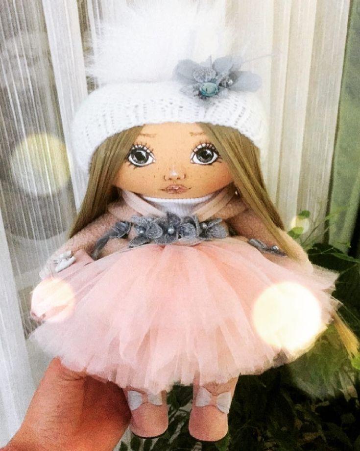 White stuff bird bath dress up dolls