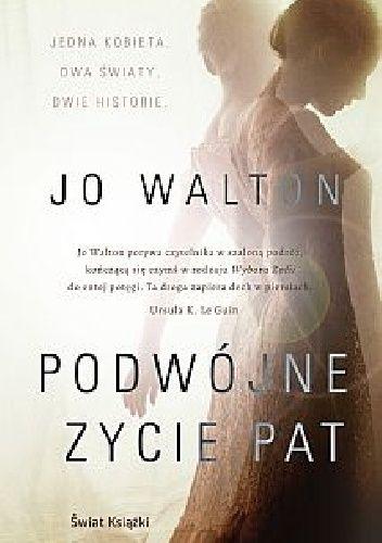 """Jedna kobieta. Dwa światy. Dwie historie.  Jest rok 2015, a Patricia Cowan dożyła sędziwego wieku. """"Dziś zdezorientowana"""" – głosi napis na karcie pacjenta na jej łóżku. Patricia nie wie, któ..."""
