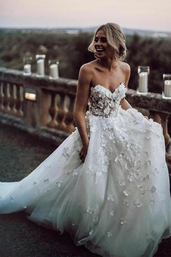 Sweetheart Neck Tulle Wedding Dresses Appliqued Wedding Gowns WD327