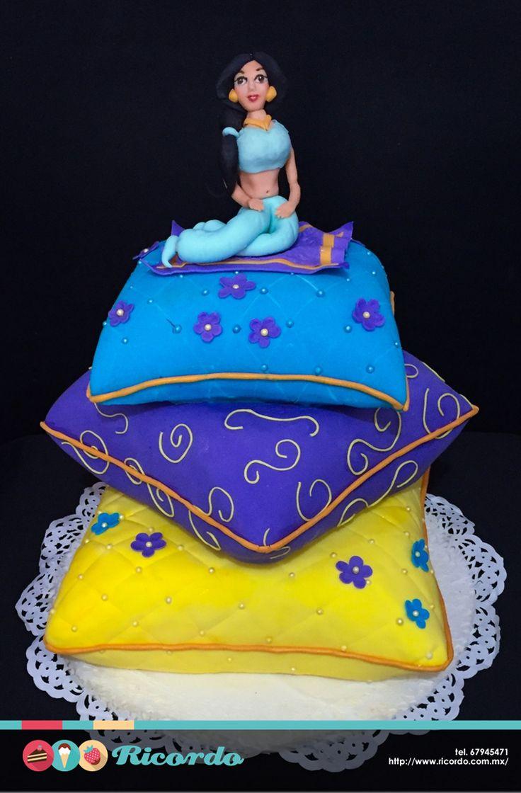 #MiercolesDeGaleria Jasmín Festejemos a las princesas de la casa. Pastel de…
