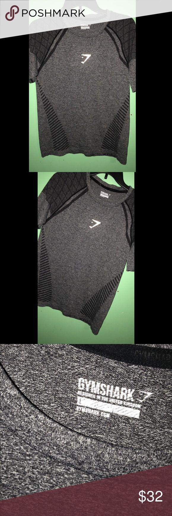 Gymshark seamless shirt Seamless sold out rare gymshark T shirt Size large  Logo isn't perfect but the shirt overall has no flaws besides that. Gymshark Shirts Tees - Short Sleeve