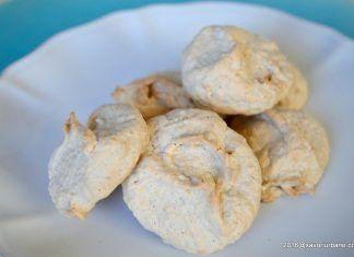 Bezele cu nuca – fursecuri fine din albus