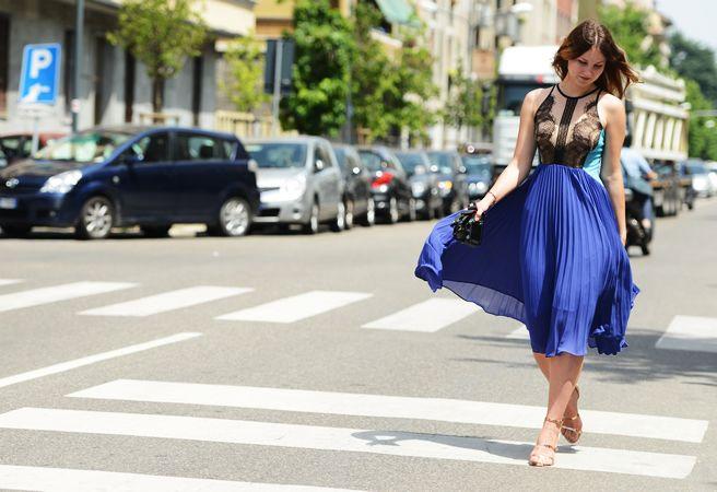 gorgeousFashion Weeks, Summer Style, Red White Blue, Paris Street Fashion, Inspiration Fashion, Paris Streets, Local Fashion, Pleated Skirts, Lace Dresses
