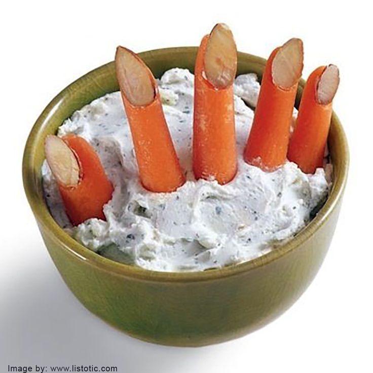dita di carote e mandorle con formaggio alle erbe #halloween #ricettehalloween #healthyhalloween