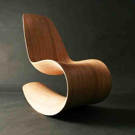 Chaise à bascule Savannah Rocker III par Jolyonyates. (Etsy). Des formes sensuelles.