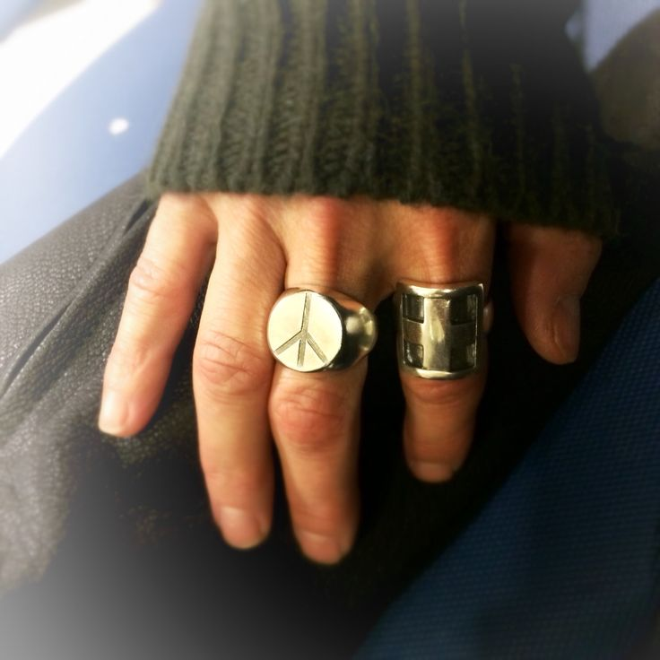 "New styles in the ""by me"" signet ring family"