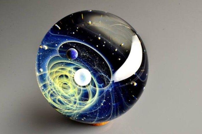 Космические стеклянные шарики Сатоши Томизу