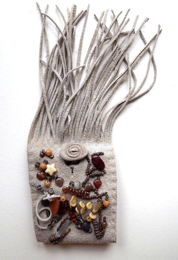 Spirale-ein uraltes heiliges Symbol. Armband mit baltischem Strandstein. Symbol für unendliche Bewegung #etsy #handmade #jewelry #sale #latvia #endgraving #runes #jewelrysale #bohostyle #runestone #EtsySale #stonejewelry #gemstonelover #handmadejewelry #handmadewithlove #handcrafted #feathernecklace #shopsmall #shophandmade #etsy #etsyshop #etsyjewelry #instaboho #bohojewelry #bohostyle #bohofashion #naturalbeauty #runen #talisman #talismanjewelry