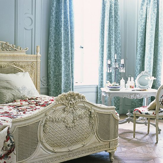 Parisian bedroom. Beautiful decor.