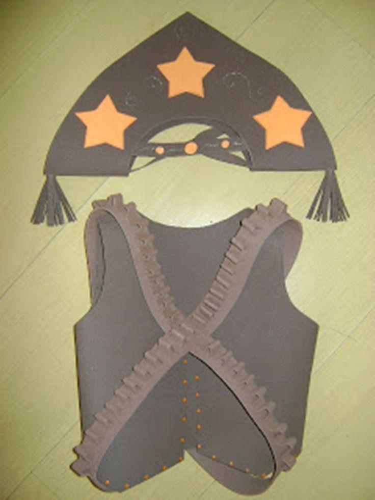 1 chapéu masculino, 1 cinturão balas e um colete feitos em eva