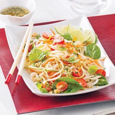Salade de nouilles thaï et épinards - Recettes - Cuisine et nutrition - Pratico Pratiques