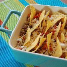 Ovenschotel met gehakt en tortilla chips, super lekker, makkelijk klaar te maken, met rijst en sla erbij een volwaardige maaltijd..ga ik zeker nog een keer maken. beter dan dat geklungel met die taco schelpen.