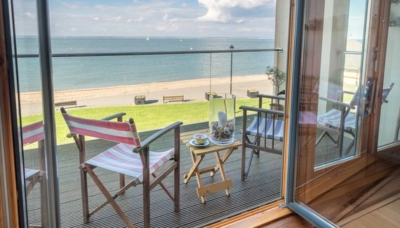 Mornington Mews - Self-catering house in Isle of Wight  sleep 6