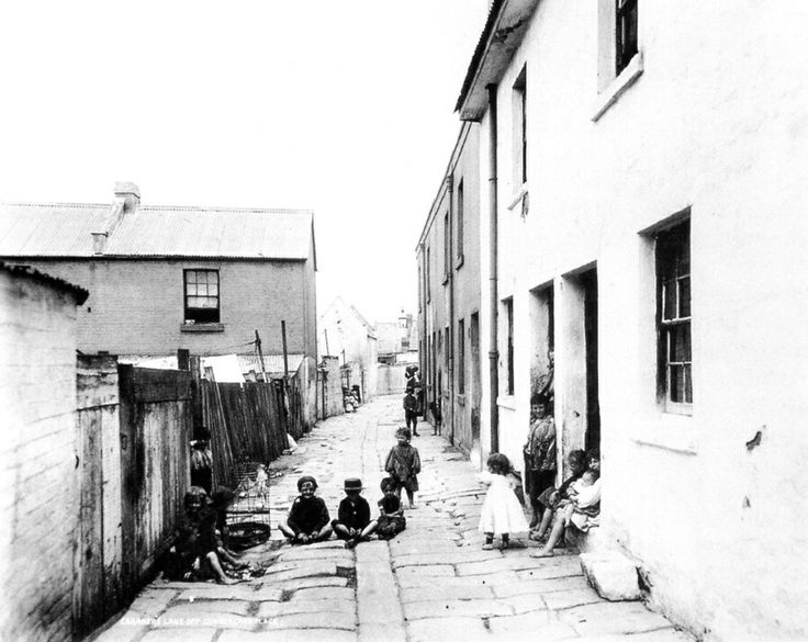 Caraher Lane,is a short lane that runs between Long Lane to Cribbs Lane,between and parellel to Cambridge and Cumberland Streets,the Rocks of Sydney.The double storey terrace at 5,7,9 and 11 Carahers Lane was constructed sometime between 1845-1856.