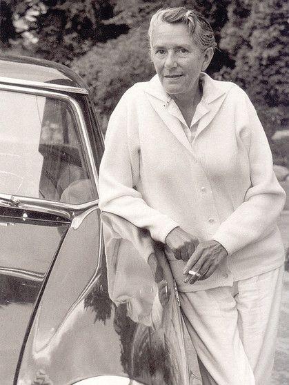 Erika Julia Hedwig Mann November 9 1905 August 27 1969 was a German actress and writer the eldest daughter of novelist Thomas Mann and Katia Mann Erik