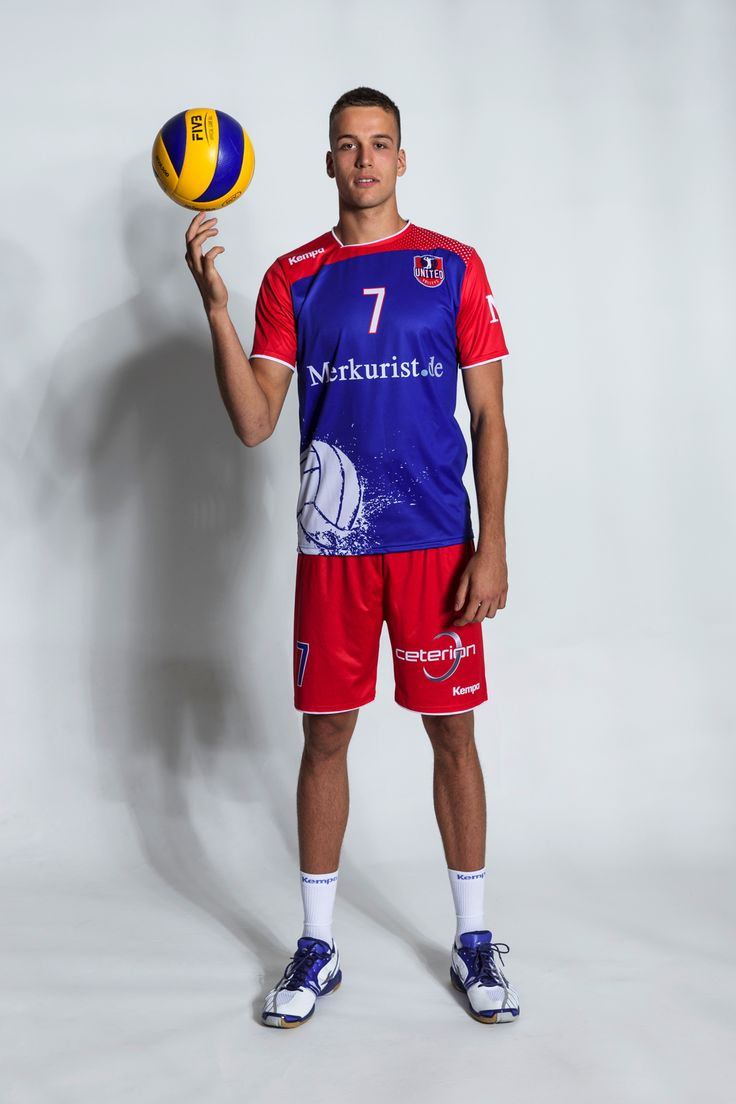 JANNIS HOPT // Professional Volleyball Player / Germany / vegan