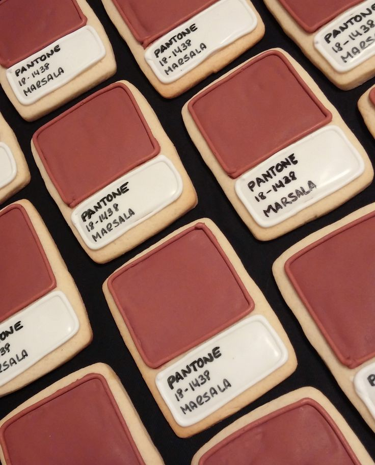PANTONE's Color of the Year Marsala is so rich we want to eat it up! Seen here in cookie form made by one of Kravet's own designers. #sweettreat #coloroftheyear @pantonecolor