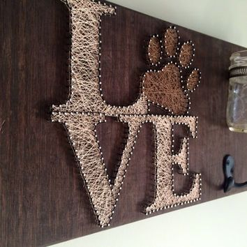 Pet leash and treat holder! Love string art!