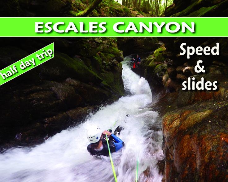 Le canyon de l'Escales est encore peu connu en Ariège et comme son cousin le canyon d'Orlu, c'est une course originale, ludique et aquatique ne présentant pas de difficultés particulières. Il suffit d'aimer l'eau ! Rappels guidés (tyroliennes) et succession de toboggans agrémentent la descente dans une ambiance sauvage et végétale…