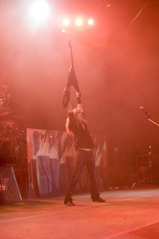 """David """"Dave"""" Scott Mustaine (La Mesa, California, 13 de septiembre de 1961) es un músico estadounidense, conocido por ser el fundador, líder, guitarrista, vocalista y principal compositor de la banda de thrash metal Megadeth y ex-miembro de Metallica."""