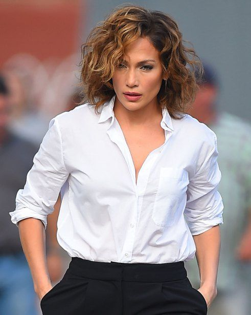 Jennifer Lopez walks to the set of 'Shades of Blue' in College Point,New York