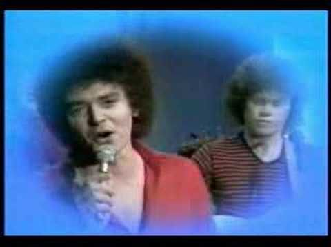 Air Supply - lost in love (clip original)