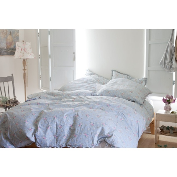 love the soft rumpled look of rachel ashwell shabby chic new anastasia bedding collection