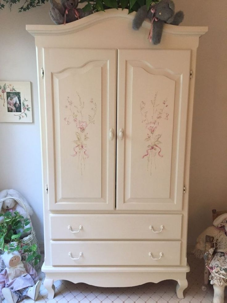 Hand painted dresser #Handmade #FrenchCountry