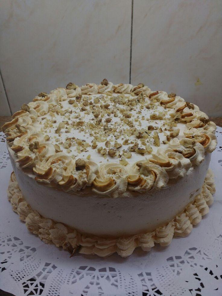 Lúcuma crema cake