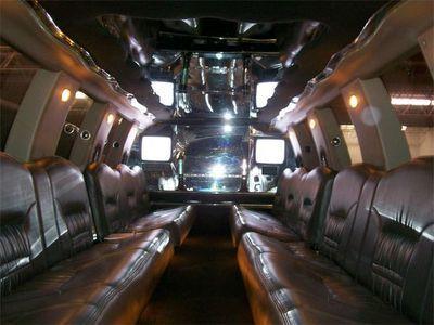 Подержанный 2001 Ford Excursion 200-дюймовый внедорожник Limo для продажи # 2665 при продаже американских лимузинов