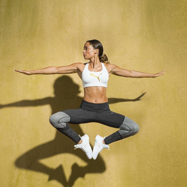 Ich hatte die Ehre beim großen Womens- Training Puma-Shoot mitzuwirken und zeige euch im neusten Vlog auf Bodykiss ein paar Eindrücke hiervon . Dieses Foto ist eins meiner Favoriten❤ (noch unbearbeitet!) #foreverfierce #puma #goldpack #fitnessmotivation #fitnessmodel #fitchick #fitnesslifestyle