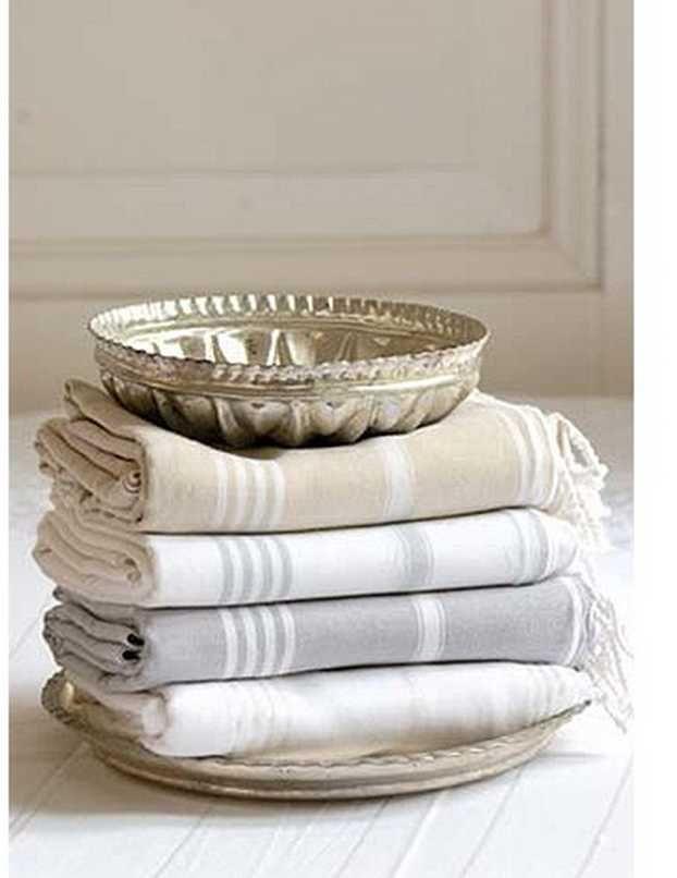 Toallas de hammam / Foutas / peshtemal towel en tonos neutros, beige, blanco, gris claro. Un toque de elegancia.