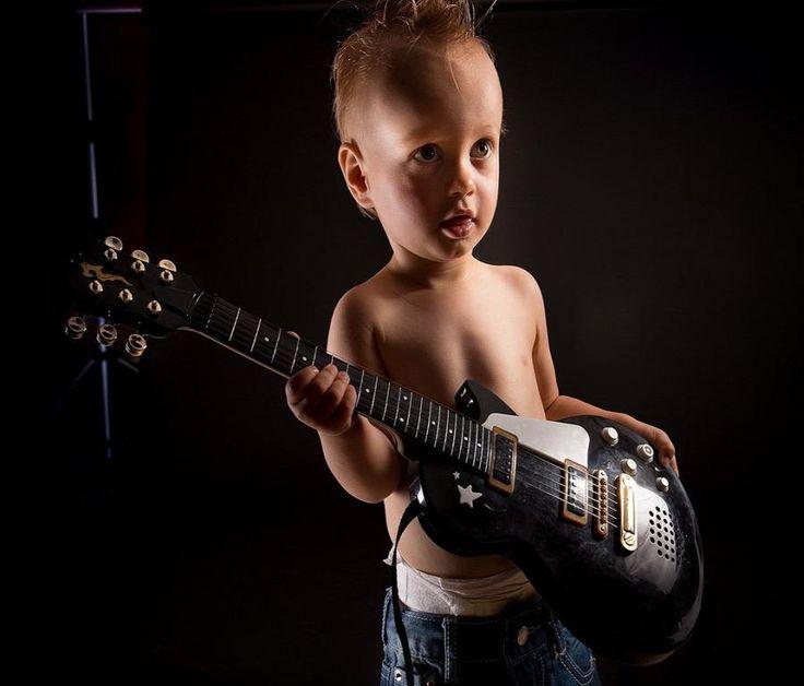 Cute Guitar Boy Photo